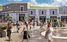 AL VIA I SALDI A SICILIA OUTLET VILLAGE