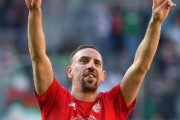 RIBERY SBARCA A FIRENZE, ENTUSIASMO FRA I TIFOSI