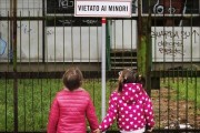 SAVE THE CHILDREN, IN 10 ANNI TRIPLICATI MINORI POVERI