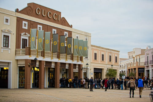 Sicilia Outlet Village fila Gucci